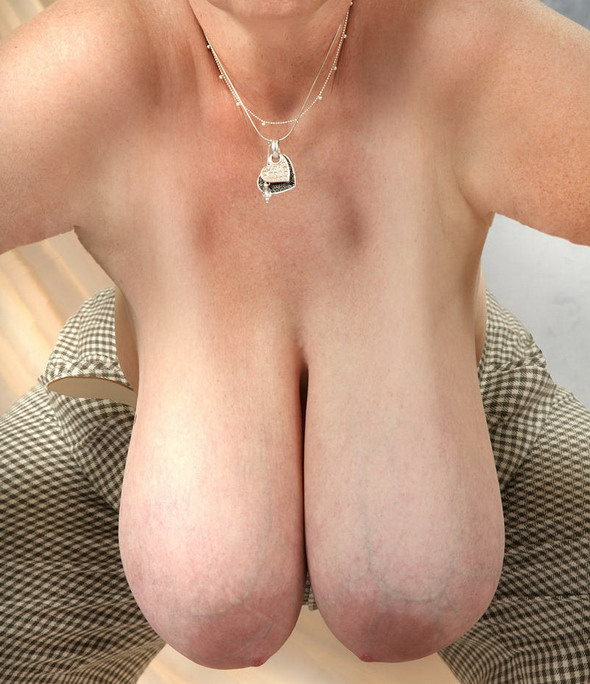 Hanging Mature Boobs 111
