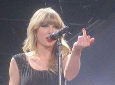 Taylor swift gives middle finger.jpg