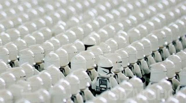 clone-army-white in helmets.jpg