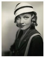 Anna Sten1930sm.jpg