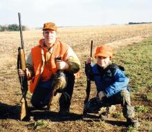536110749-Father_20and_20son_20hunting.jpg
